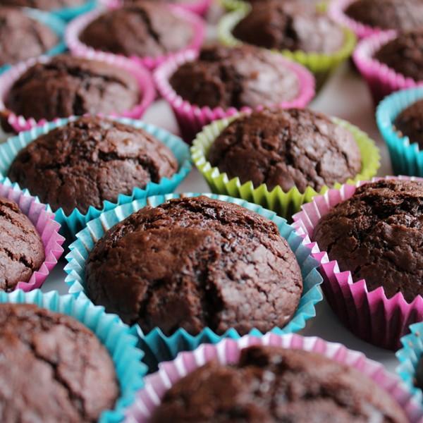 Små muffinsformar med innehåll